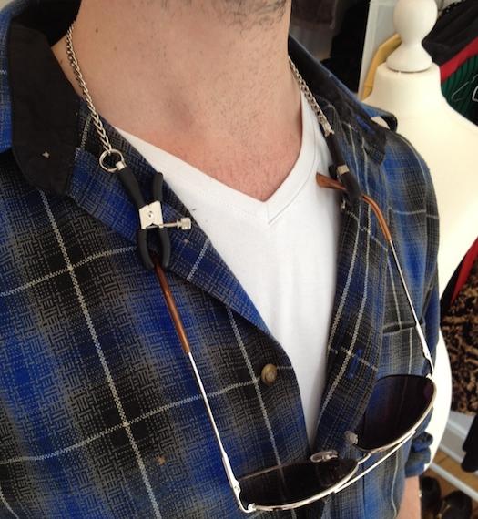 glasses-necklace-holder