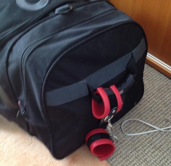 wrist-restraint-luggage-identifier