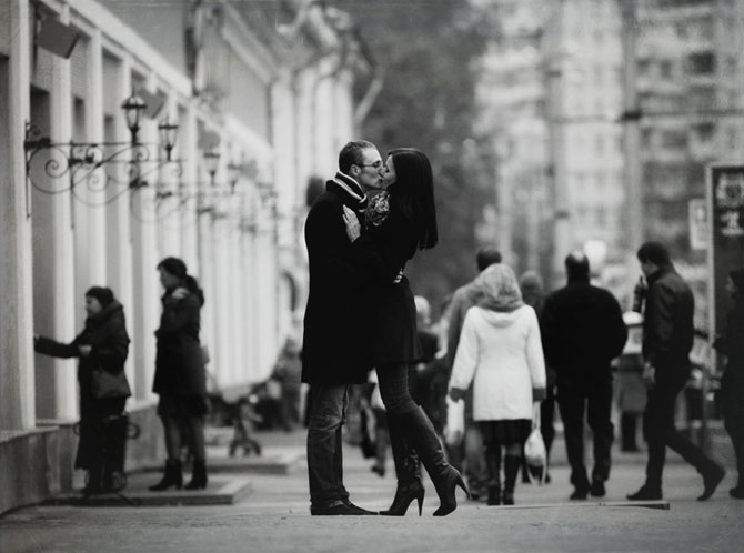 public-display-of-affection-couple-kissing