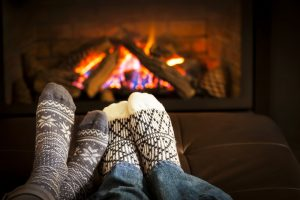 17 Winter Date Ideas to Keep You Warm and Cozy When It's Cold Outside